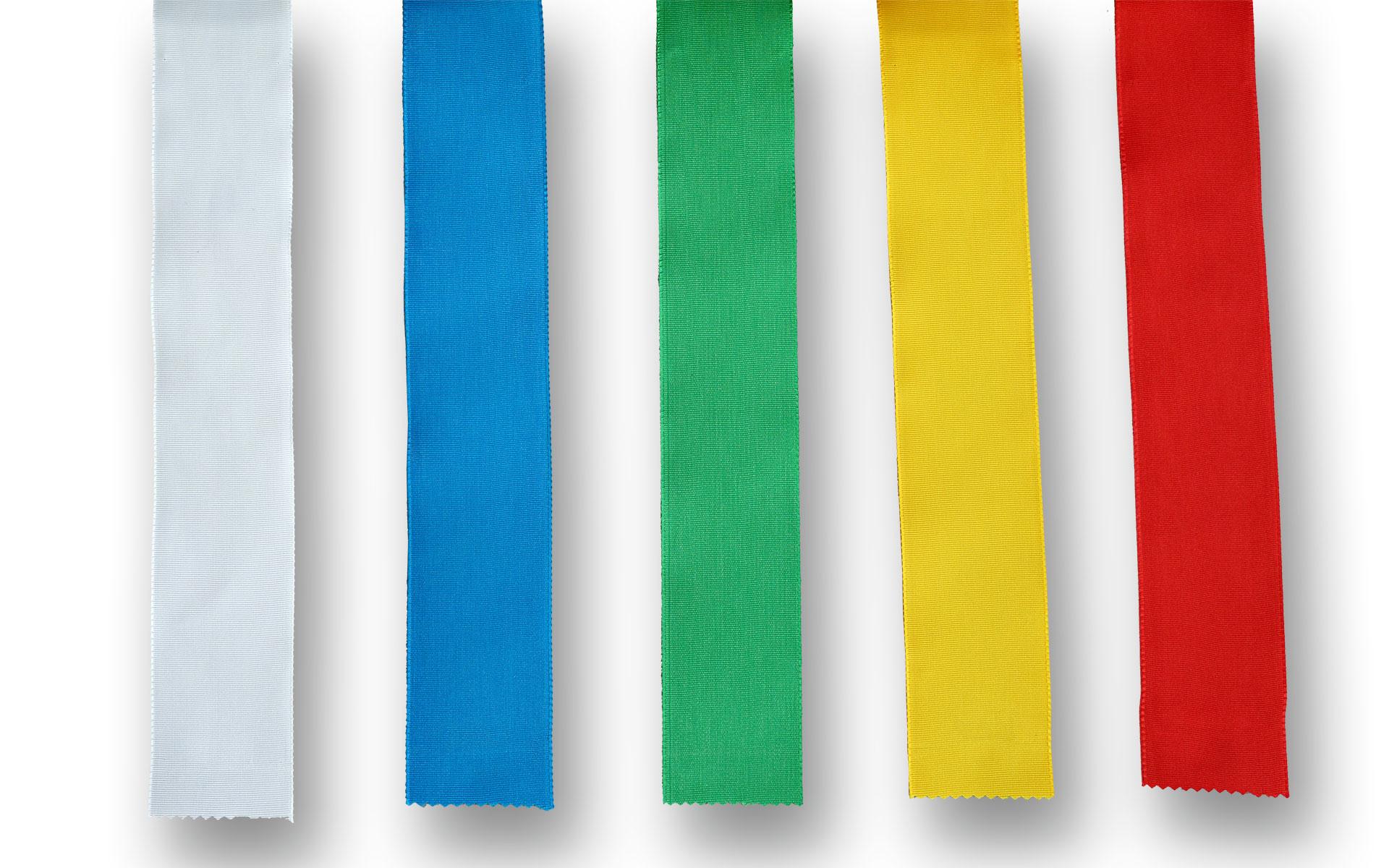 verschiedene Farben von Ripsband zur Dekoration