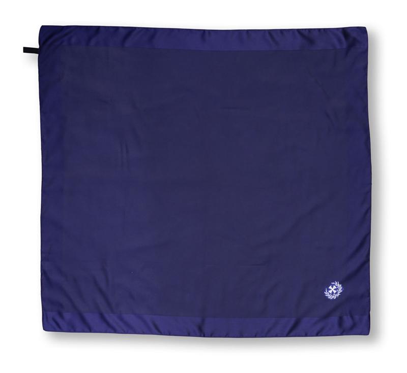 dunkelblaues Damentuch mit Bestickung